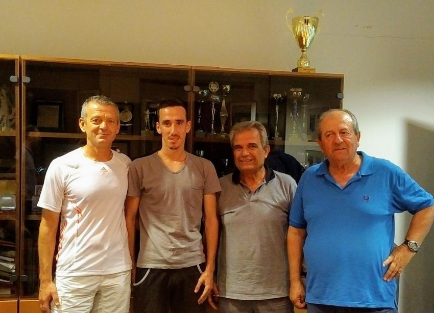 ΔΕΛΤΙΟ ΤΥΠΟΥ - H ΓΕΑ υποδέχθηκε τον πρωταθλητή Ελλάδας στα 5.000 μέτρα ανδρών Κώστα Σταμούλη