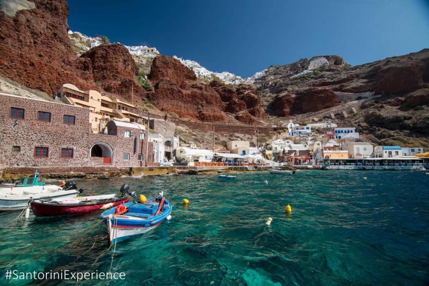 """ΔΕΛΤΙΟ ΤΥΠΟΥ - Οι χορηγοί φιλοξενίας αγκαλιάζουν το """"Santorini Experience"""""""