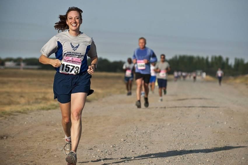 Τρέξιμο για απώλεια βάρους: Ενότητες σχετικά με την προπόνηση και επιπλέον συμβουλές